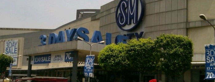 SM City San Lazaro is one of Orte, die 冰淇淋 gefallen.