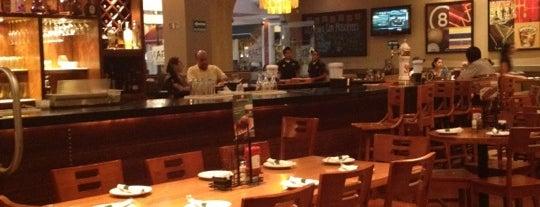 Bennigan's is one of Restaurantes por visitar..