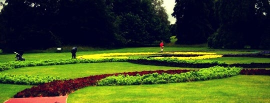 Royal Botanic Gardens is one of London's Must-See Attractions.