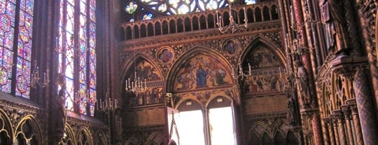 Sainte-Chapelle is one of  Paris Sightseeing .