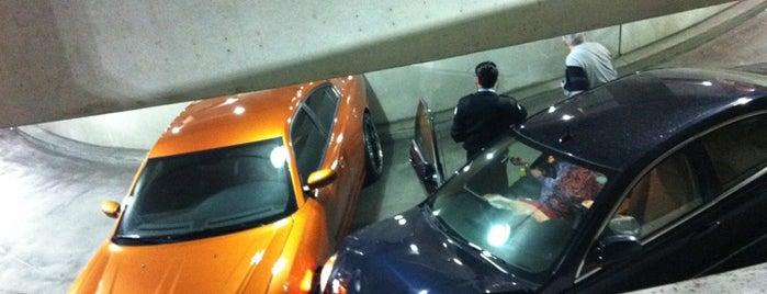 Greektown Parking Garage is one of สถานที่ที่ Megan ถูกใจ.