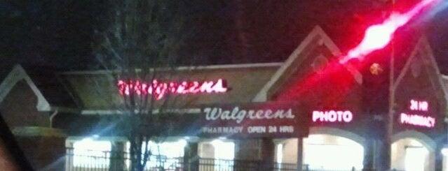 Walgreens is one of Lieux qui ont plu à JB.