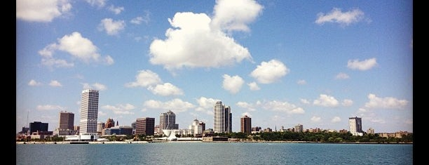 Milwaukee Boat Line is one of Milwaukee's Best Spots!.
