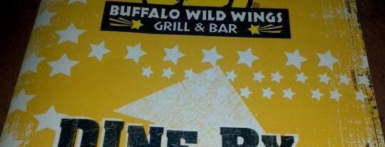 Buffalo Wild Wings is one of William 님이 좋아한 장소.