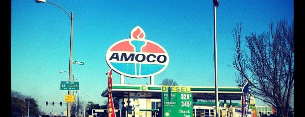 World's Largest Amoco Sign is one of Best Spots in the St. Louis Metro #visitUS.