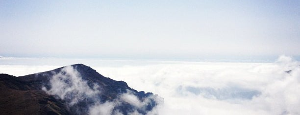 Pico do Arieiro is one of Locais curtidos por Rob.