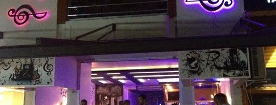 Rooi Cafe & Bar is one of Locais curtidos por Bircan 🐞🐞🐞.