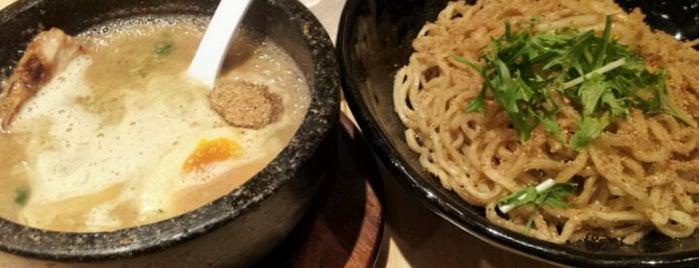 梦麺88 is one of 気になるリスト.