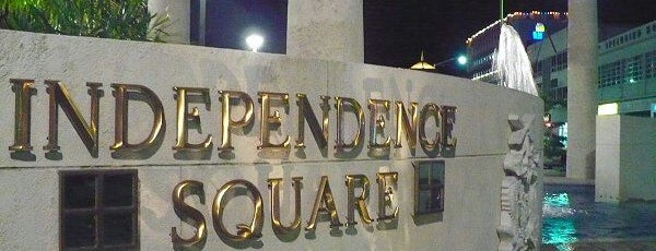 Independence Square is one of Tempat yang Disukai Jessica.