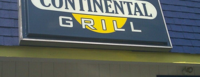Main Street Continental Grill is one of Scott'un Beğendiği Mekanlar.