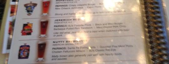 BJ's Restaurant & Brewhouse is one of rodney'in Kaydettiği Mekanlar.