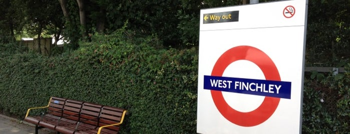 West Finchley London Underground Station is one of Lieux qui ont plu à Paula.