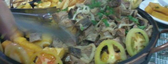 Restaurante E Pizzaria Manacás is one of Favorite Food.