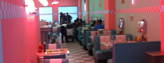 Peggy Sue's is one of De mucho us.
