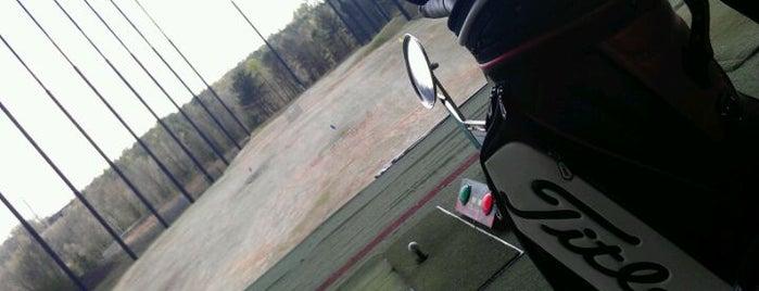 Paragon Golf is one of สถานที่ที่ Jenni ถูกใจ.