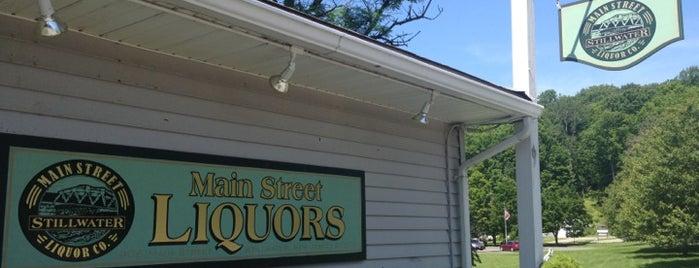 Main Street Liquor Co is one of Lugares favoritos de Valentina Paz.