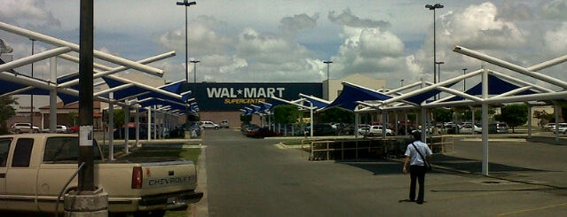 Walmart is one of Oscar 님이 좋아한 장소.