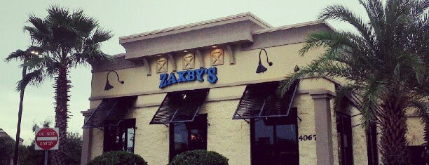 Zaxby's Chicken Fingers & Buffalo Wings is one of Andrewさんのお気に入りスポット.