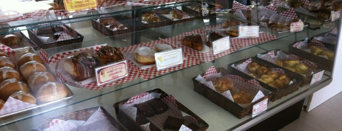 Agnes Portuguese Bakeshop is one of Local's Guide to Hawaii.
