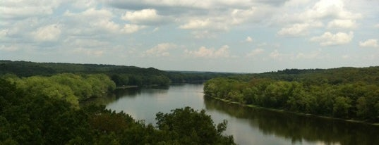 Castle Rock State Park is one of Illinois State Parks.