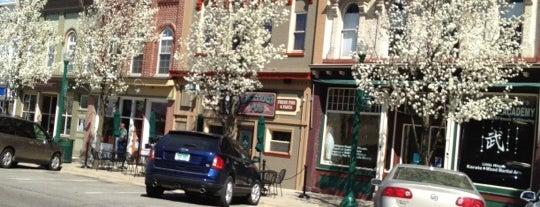 Dexter's Pub is one of Comfort food.