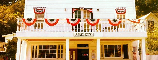 Smiley's Schooner Saloon & Hotel is one of Pacific Old-timey Bars, Cafes, & Restaurants.