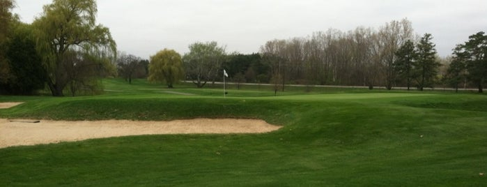 Forest Akers West Golf Course is one of Johnさんのお気に入りスポット.