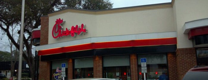 Chick-fil-A is one of Lugares favoritos de Camille.