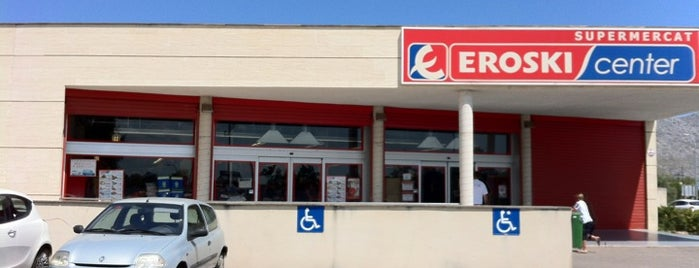 EROSKI center is one of สถานที่ที่ David ถูกใจ.