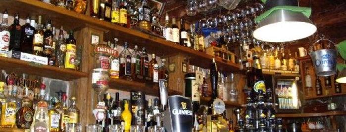 All Black Irish Pub is one of Bares e baladas.