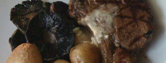 MUMU Grill is one of Locais salvos de Oscar.