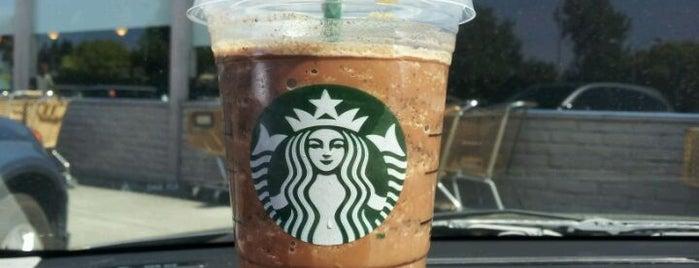 Starbucks is one of Tempat yang Disukai Les.
