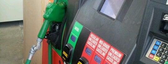 King Soopers Fuel Center is one of สถานที่ที่ Stacia ถูกใจ.