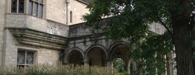 Coe Hall (Planting Fields Arboretum) is one of Lugares guardados de Sarah.