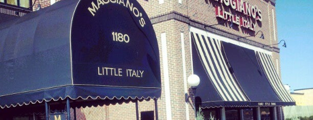 Maggiano's Little Italy is one of Timさんのお気に入りスポット.