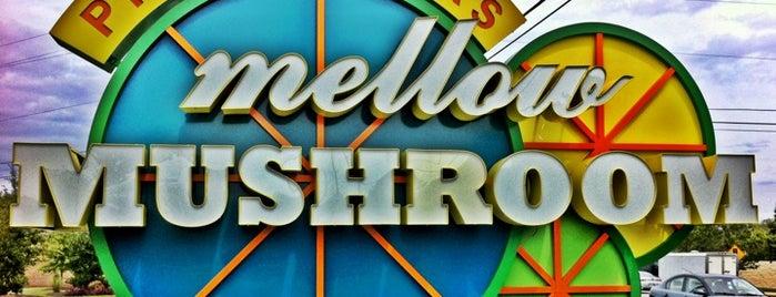 Mellow Mushroom is one of Orte, die Jason gefallen.