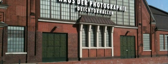 Deichtorhallen is one of Hamburg.
