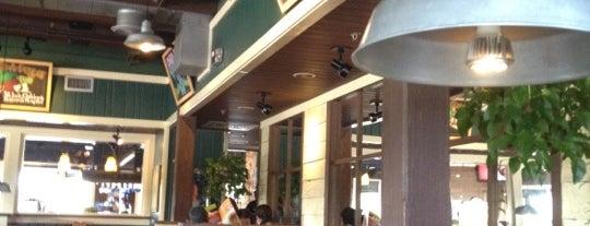 Chili's Grill & Bar is one of Tempat yang Disimpan Max.