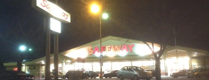 Safeway is one of Orte, die Moe gefallen.