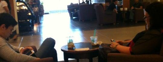 Starbucks is one of Biel 님이 좋아한 장소.