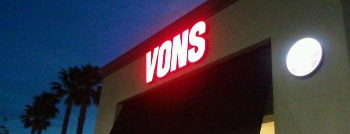 VONS is one of Locais curtidos por Amy.