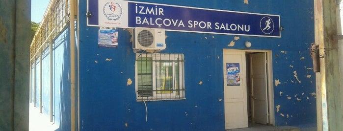 Balçova Spor Salonu is one of Lugares favoritos de Kaan.