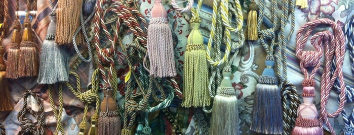 La Selecta is one of Mis tiendas de materiales favoritas.