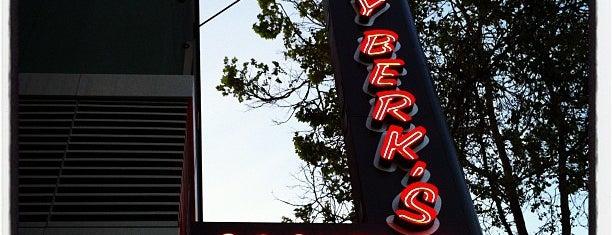 Billy Berk's is one of Posti che sono piaciuti a Daniel.