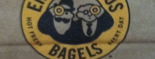 Einstein Bros. Bagels is one of Aaronさんの保存済みスポット.