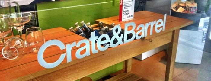Crate & Barrel is one of Orte, die Nadia gefallen.
