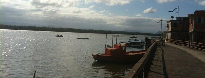 Ilha das Caieiras is one of Travel Guide - Grande Vitória/ES.