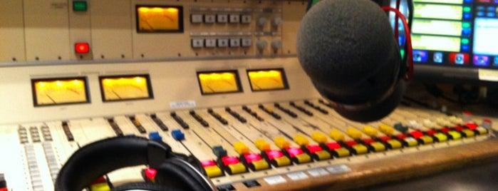 All the Hits 107-3 Studio is one of สถานที่ที่ Kim ถูกใจ.