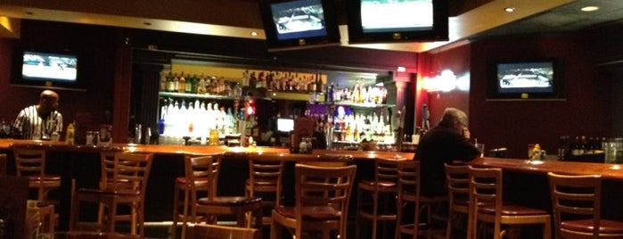 Champions Sports Bar & Restaurant is one of HoCo Spots.