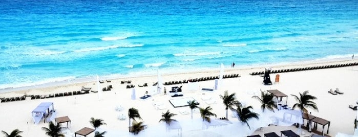 Playa/Beach is one of Cancun.